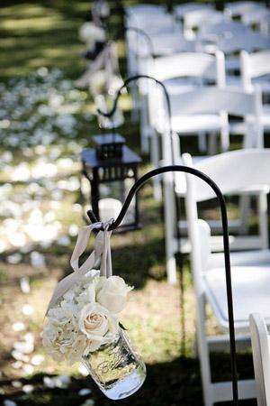 Southern-wedding-shephard-hook-aisle-decor