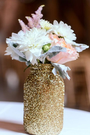 sparkling-gold-mason-jar-wedding-centerpieces-for-glittering-wedding-ideas