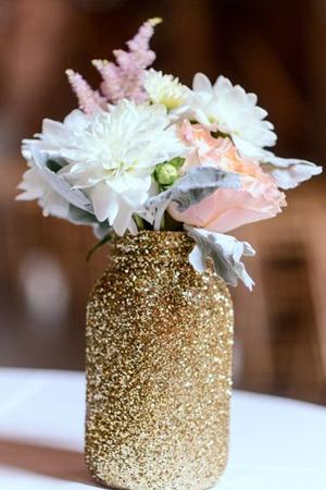 sparkling-gold-mason-jar-wedding-centerpieces-for-glittering-wedding-ideas