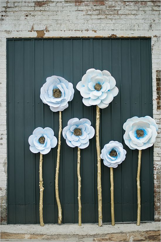 16 Stunning Paper Flower Backdrops 561 247 3539