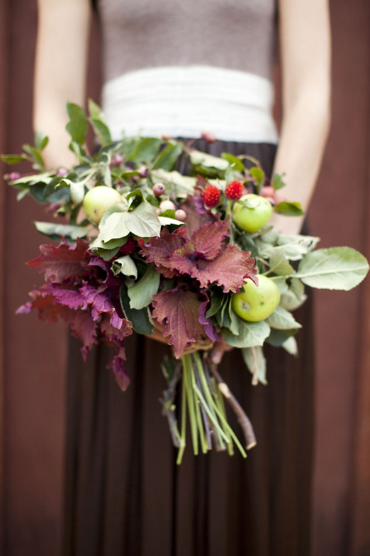 via: www.thenaturalweddingcompany.co.uk